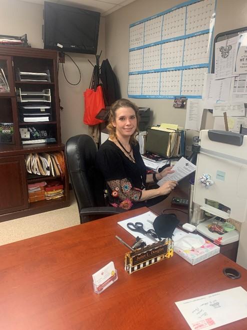 administrative-staff-pic3